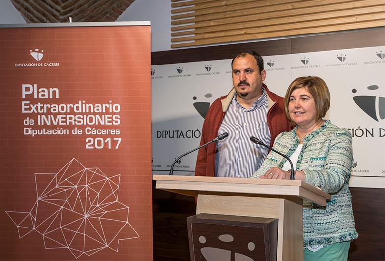 La Presidenta presenta el Programa Extraordinario de Inversiones de la Diputación de Cáceres dotado con 6 millones de euros