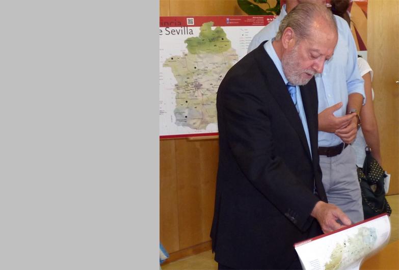 La Diputación de Sevilla invierte cerca de 1,9 millones de euros en señalización turística y en puntos interactivos de información en museos de la provincia