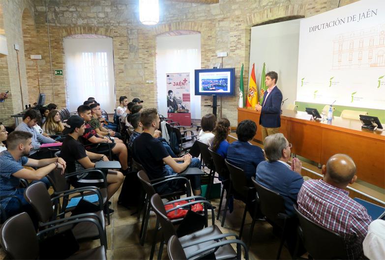 Una treintena de jóvenes reciben orientación laboral tras realizar prácticas en Europa de manos de la Diputación de Jaén